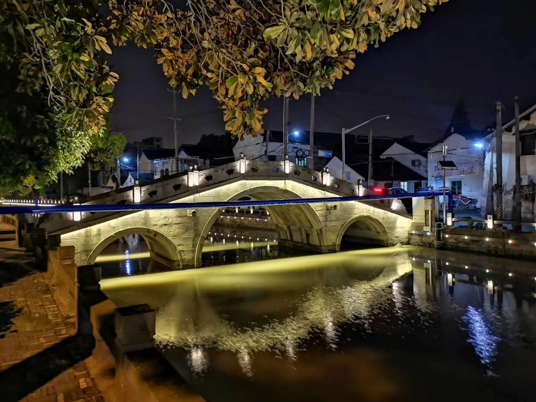 河道、桥梁与楼体亮化,相辉交映