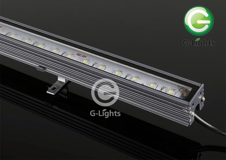 L12-815 12W线条灯