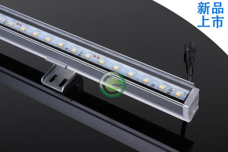 L12-706 12W线性洗墙灯