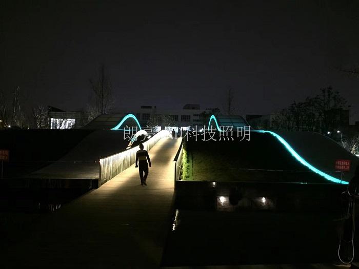 园林亮化灯具.jpg